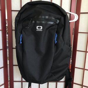 """OGIO 19"""" Shadow Core Flux 320 Backpack Bag Black"""